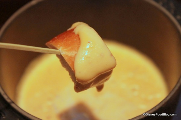 Bread in Sharp Cheddar Beer Fondue