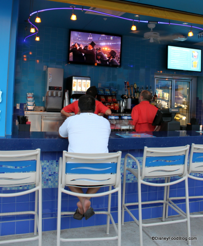 Review Drop Off Pool Bar At Disney S Art Of Animation