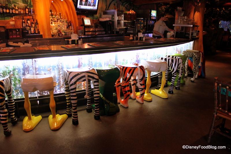 Review rainforest cafe a la disney the disney food blog for Food bar 36 cafe