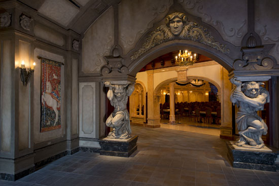 video tour and photos: be our guest restaurant west wing, rose