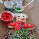 Dining in Disneyland: Cookie Decorating at the Jingle Jangle Jamboree