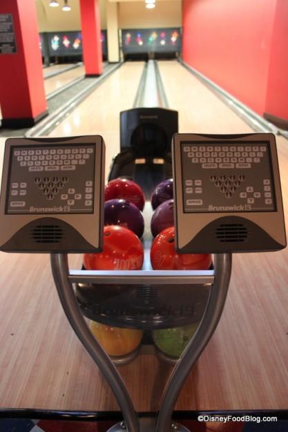 Bowling Lanes at Splitsville