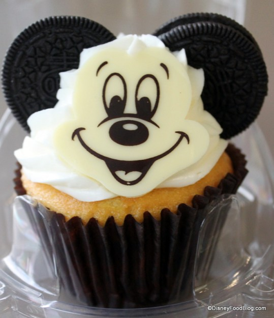 Snack Series Mickey Mouse Cupcake And More At Art Of