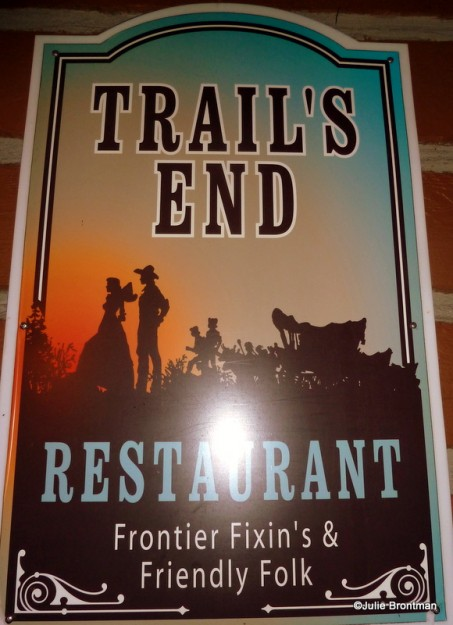 Guest Review Trail S End Restaurant At Disney S Fort