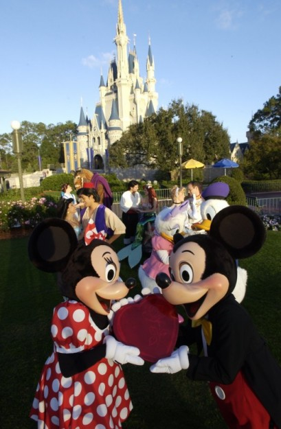 True Love Week starts in Disney Parks tomorrow!