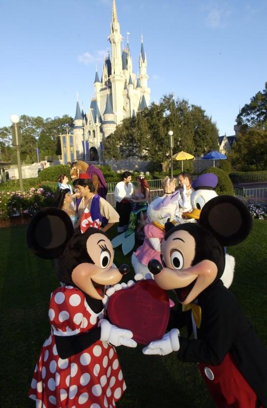 Toll True Love Week Starts In Disney Parks Tomorrow!