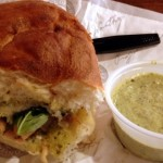 Guest Review: Earl of Sandwich Chicken Pesto Pomodoro Sandwich
