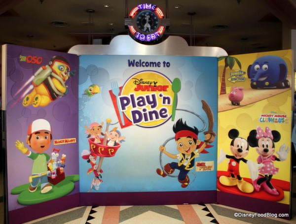 Disney Junior Play 'n Dine setup