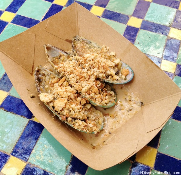 Gratinated Green Lip Mussels with Garlic and Herbs