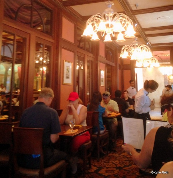 Guest review lunch at tutto italia ristorante in epcot s for Tutete italia