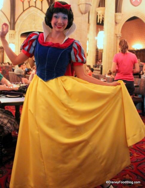 snow white cinderella's royal table