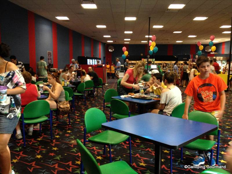End Zone Food Court At Disney S All Star Sports Resort