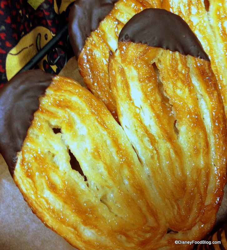 Review New Treats At Kusafiri Coffee Shop And Bakery In Disney S