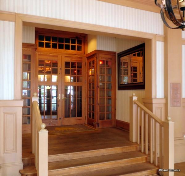 Yachtsman Steakhouse Entrance