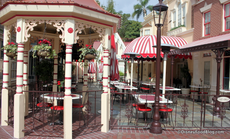 Review Breakfast At Disneyland S Carnation Cafe