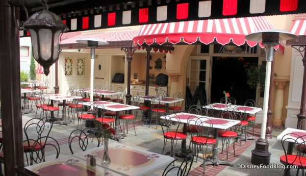 Patio 2 Carnation Cafe