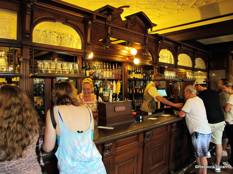 guest review: epcot's rose & crown pub & dining room | the disney