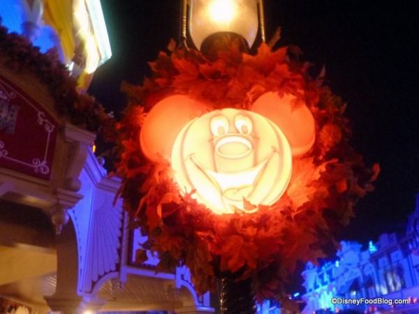 Mickey Lantern!