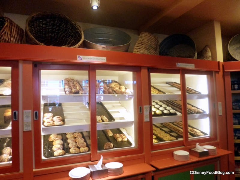 Que contient le Dining Plan? - Page 12 Grab-and-Go-Bakery-Case-2