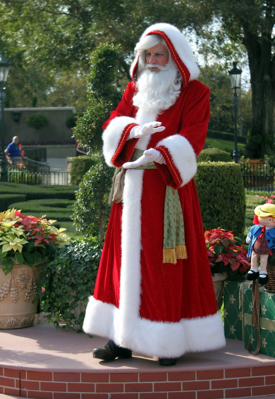 Walt disney world holiday dining and events the disney - Pere noel disney ...