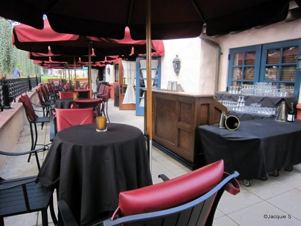 Patio seating at Brown Derby Lounge