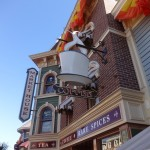 Dining in Disneyland Review: The Market House Reopens as Starbucks!