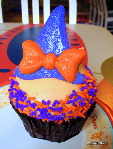 Minnie Witch Carrot Cupcake