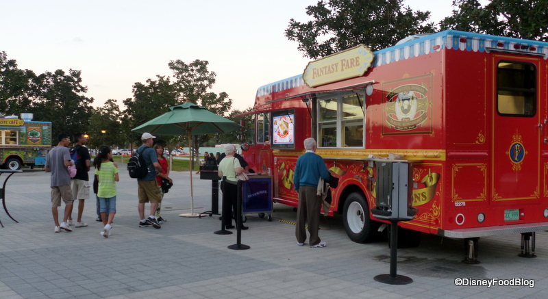 Its A Dogs World Food Truck