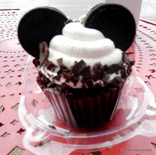 Oreo Bon Bon Cupcake