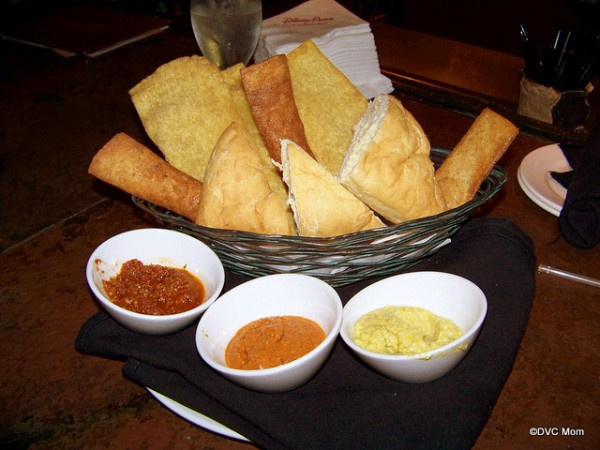 Breads and Dips from Tambu Lounge