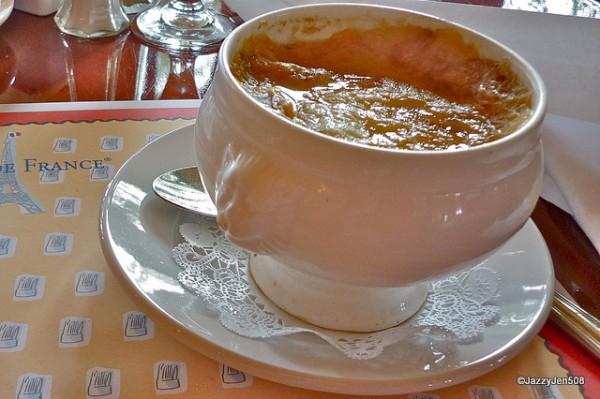 French Onion Soup at Les Chefs de France