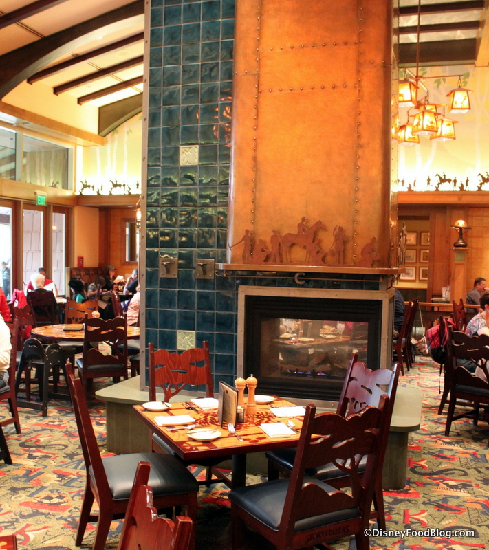 Review Storytellers Cafe At Disneylands Grand