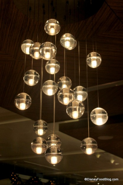 Love these modern lights