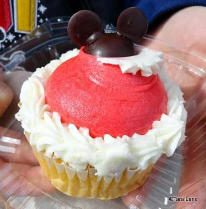 Holiday Cupcake at Sweet Spells