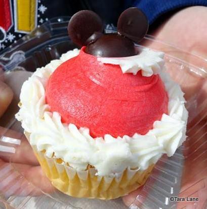 Holiday Cupcake at Sweet Spells