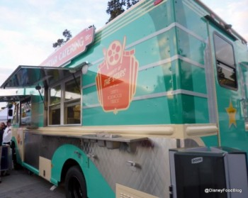 Superstar-Catering-Food-Truck-1-600x479