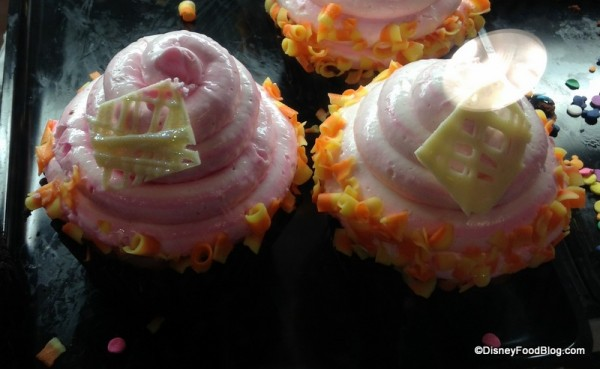 Strawberry Lemonade Cupcake