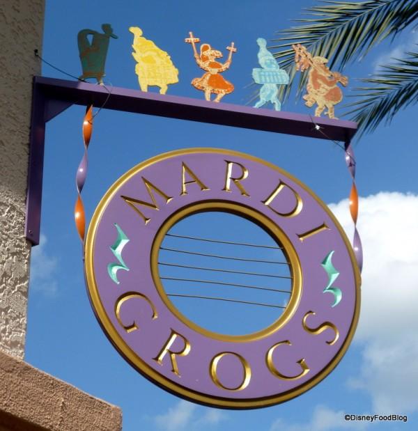 Mardi Grogs Pool Bar at Port Orleans -- French Quarter