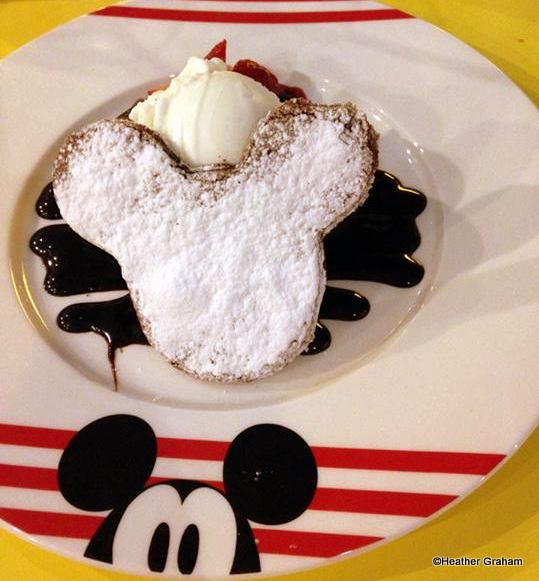 Mickey brownie and ice cream
