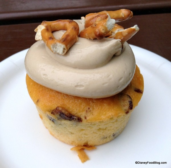 Piggylicious Cupcake -- Bacon cupcake with maple frosting and pretzels