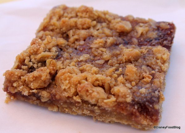 Strawberry Oat Bar Smuckers  (14)