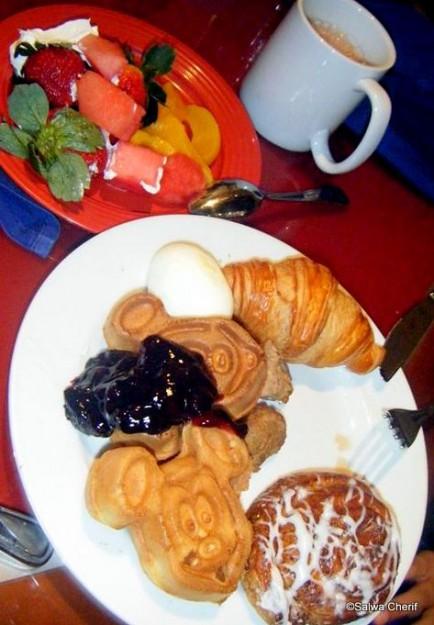 Breakfast at Chef Mickey's