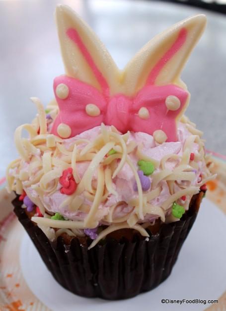 White Chocolate Raspberry Cupcake
