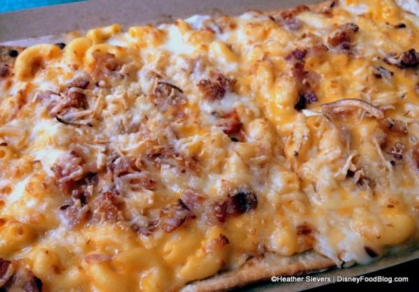 Amazing Mac & Cheese Flatbread -- Up Close!