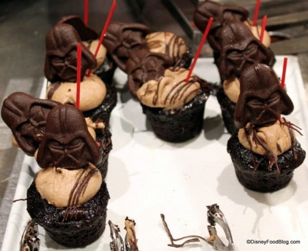 Star Wars Character Meal Vader Cupcakes