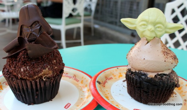 Darth Vader and Yoda Cupcakes