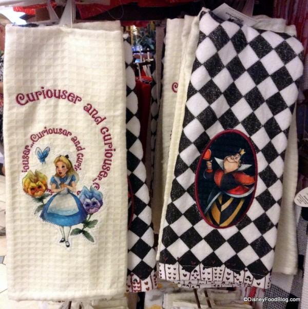 Alice in Wonderland Character towel set