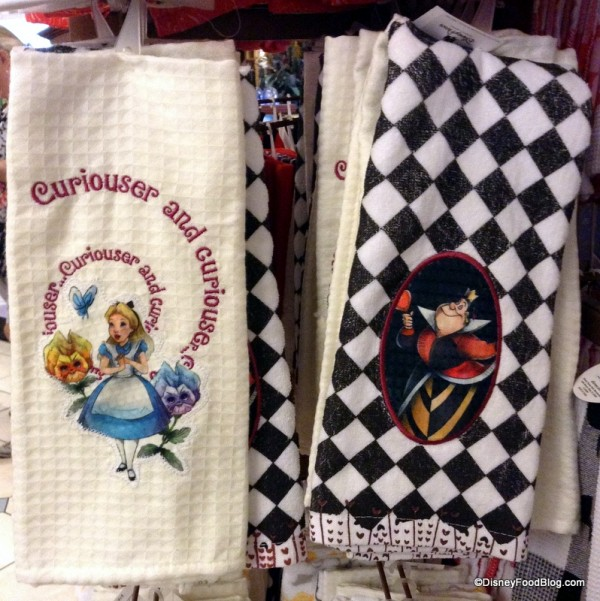 Alice in Wonderland Character towel set