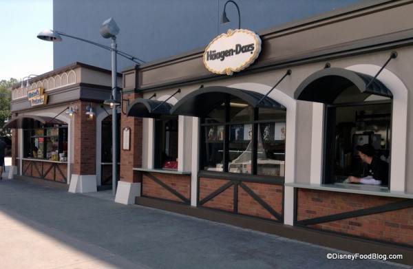 wetzels pretzels haagen dazs west side downtown disney (2)