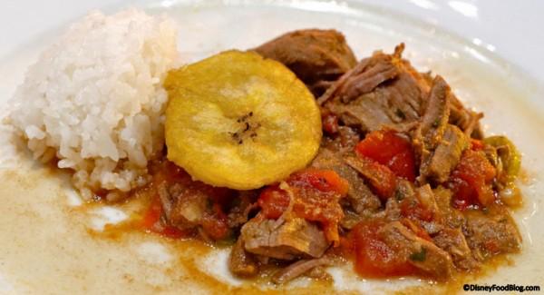 Carne Guisada con Arroz Blanco
